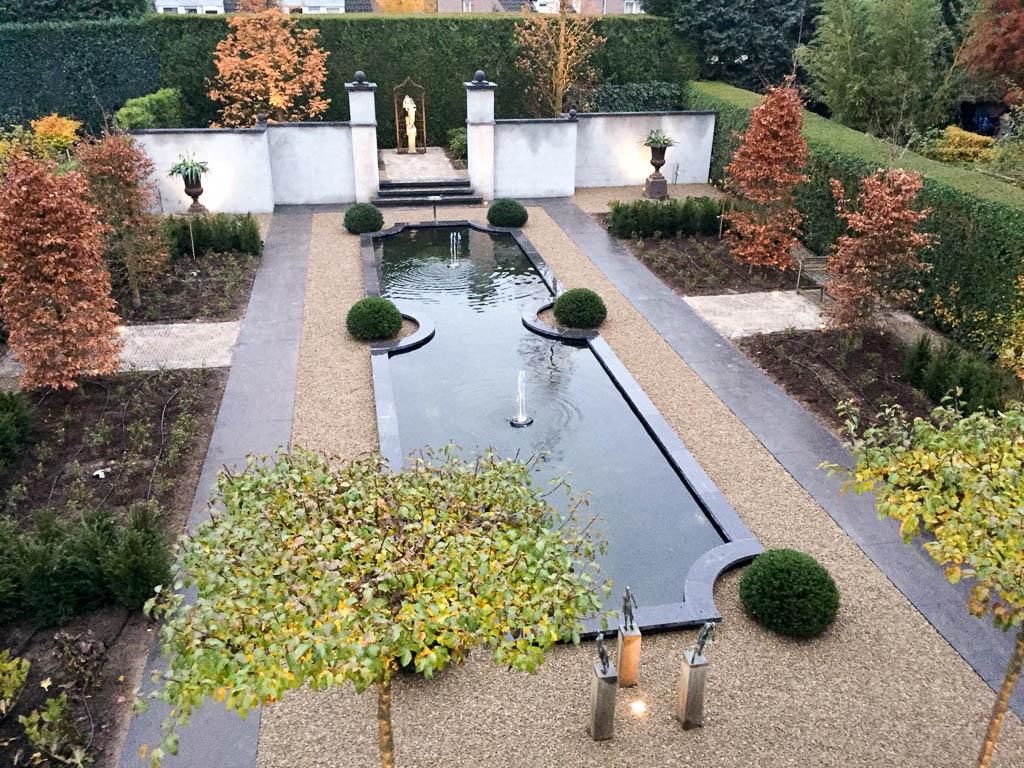 Klassieke tuin met vijver p p groenprojecten
