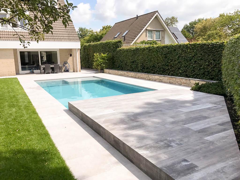 Strakke tuin met modern zwembad p p groenprojecten